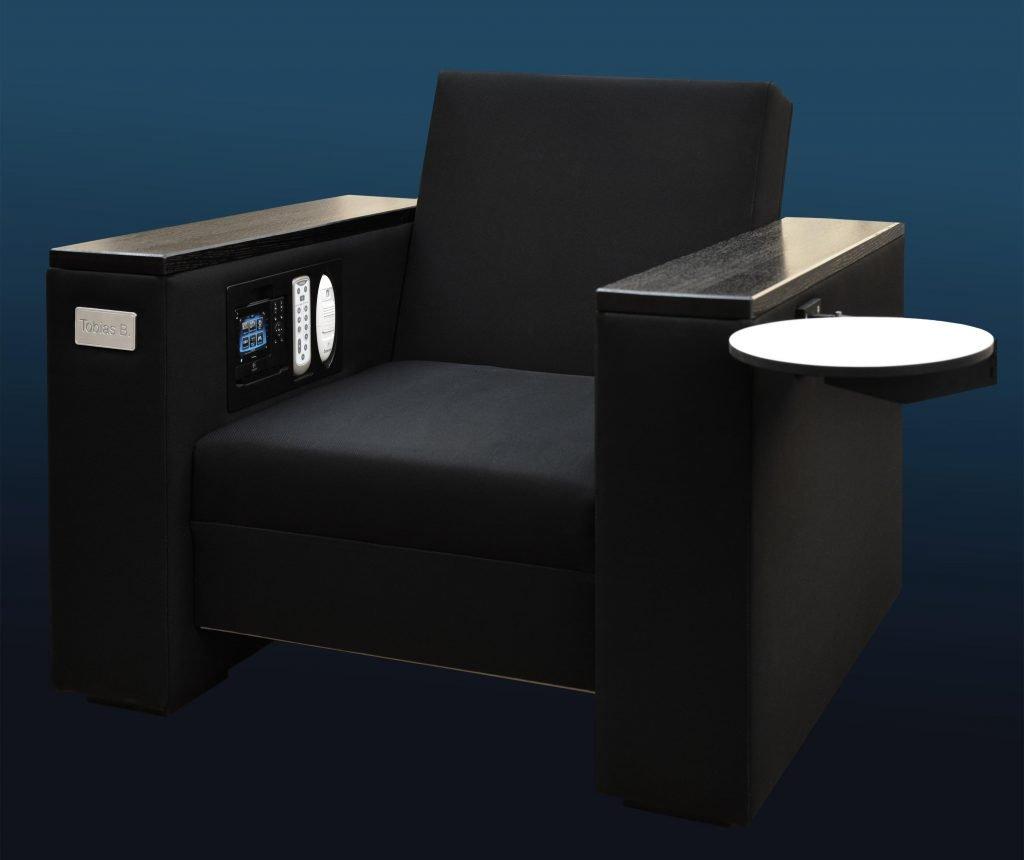 <p>Multifunktionaler Fernsehsessel, technischer Spezialbau, Idee/Konzeption: webguerillas<br /> Auftraggeber: Telekom</p>