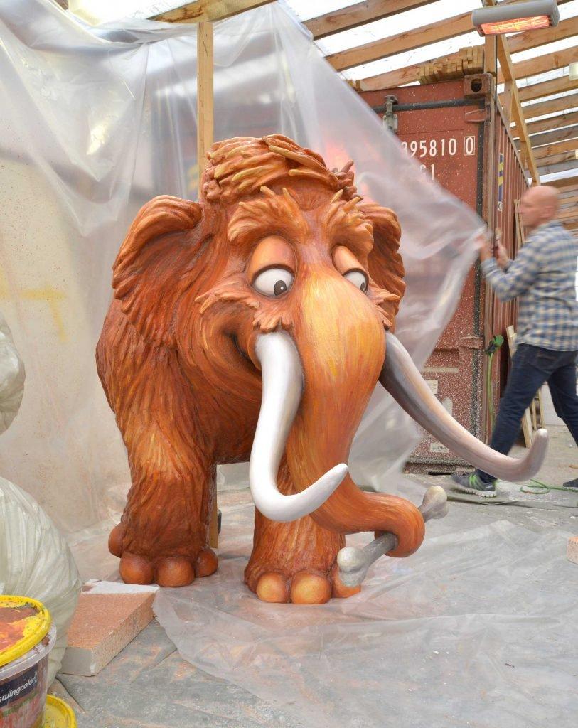 <p>Stone Age Junior – Mammut, Event-Skulptur, Umsetzung mit Saurus, Auftraggeber: Hans im Glück Verlag</p>
