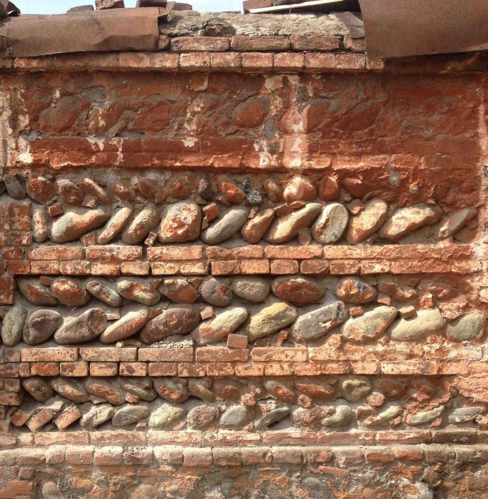 <p>Steinmauer, Imitat, Szenenbild</p>