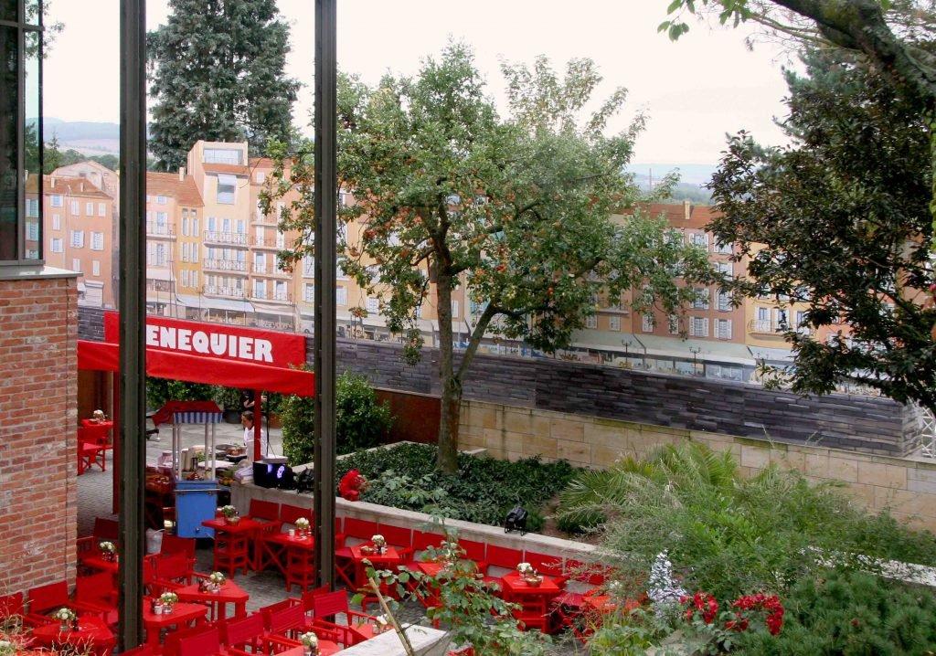<p>Saint Tropez Hafenpromenade als Event-Bühnenmalerei, Auftraggeber: DekoDesign</p>