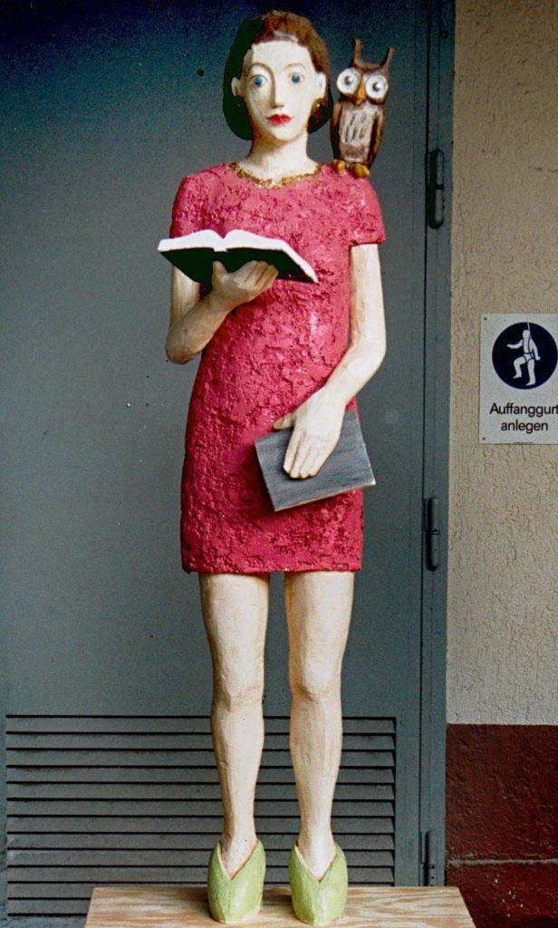 <p>Thalia-Mädchen, Event-Skulptur, Buchmesse, Auftraggeber: Thalia</p>