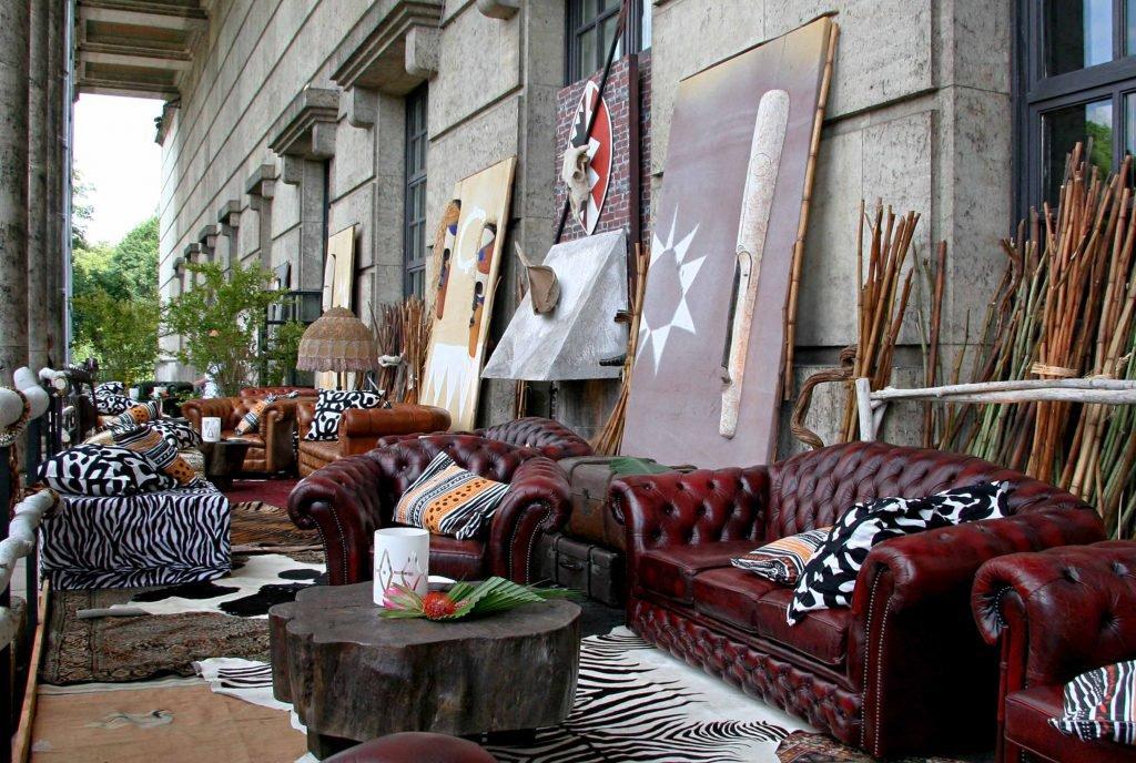 <p>Massai-Event im Haus der Kunst München, Requisitenbau, Auftraggeber: DekoDesign</p>